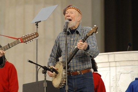 pete-seeger-81869_640_by_tpsdave_CC0